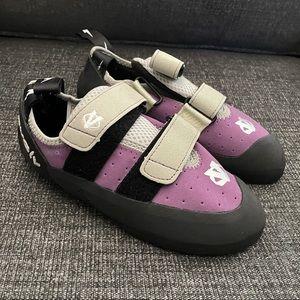 EVOLV ELektra, Rock climbing shoes